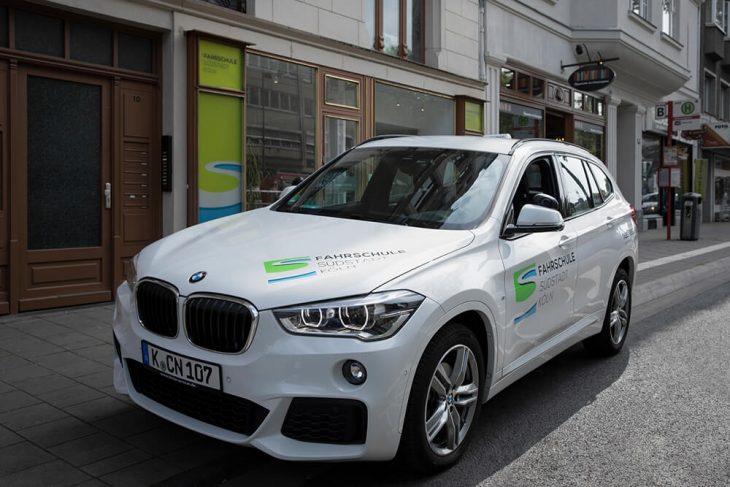 Führerscheinklassen in der Fahrschule Köln
